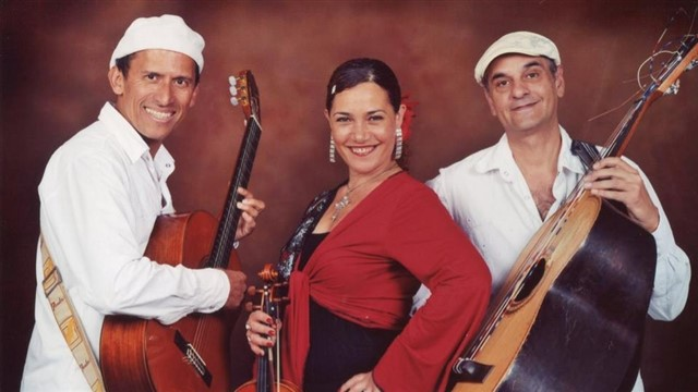 Gipsy Queen, mariachi salsa latin band 4439