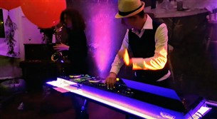 Band or DJ for wedding - DJ Thijsgewijs Clubset