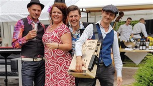 Houten bruiloft - Vera and Friends